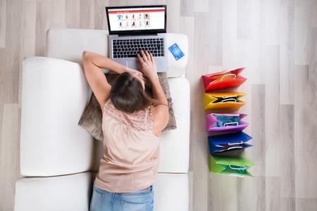 Hazánkba is egyre több az internetes vásárlás. Egyre népszerűbbé váltak a  virtuális üzletek 72f6325c4c